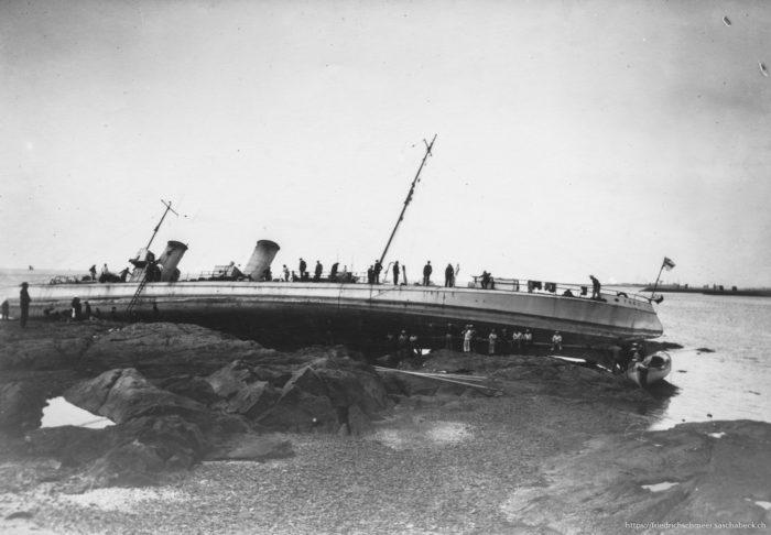 Torpedoboot Taku bei Nebel aufgelaufen